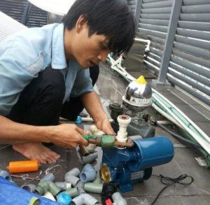 Thợ chuyên sửa máy bơm nước tại nhà quận 8