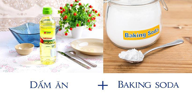 Thông bồn cầu bằng baking soda và giấm ăn